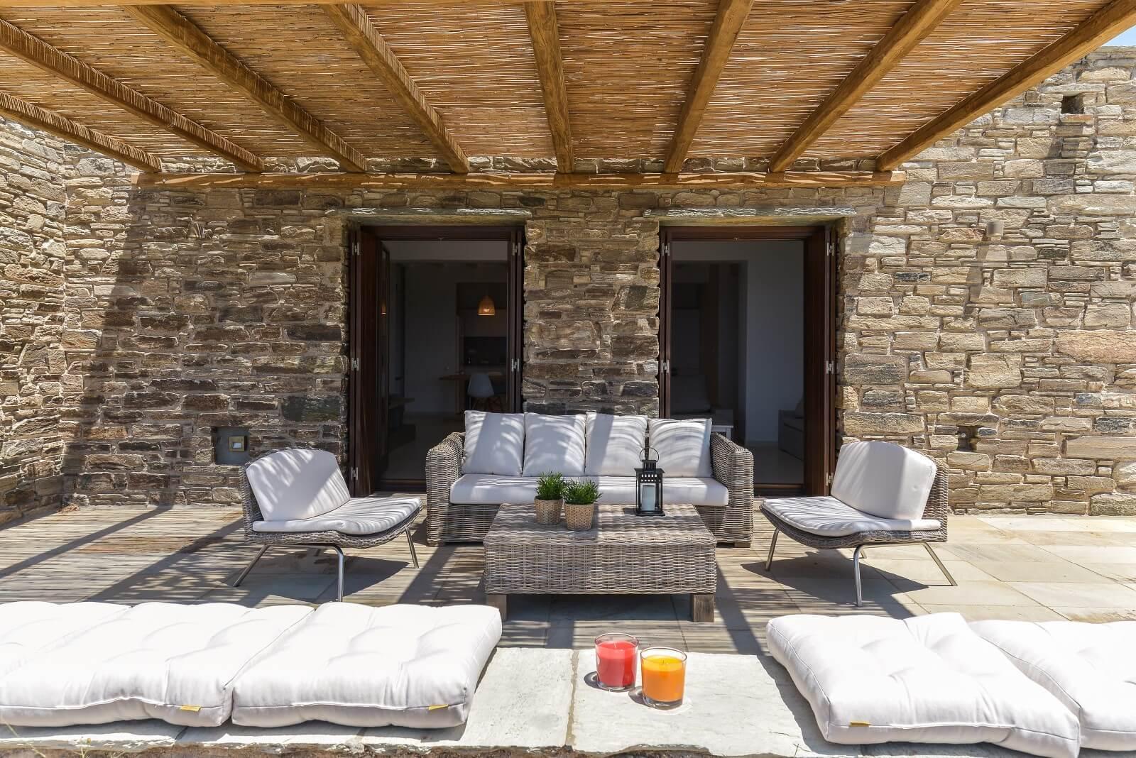 Stone House Pergola 1(1)